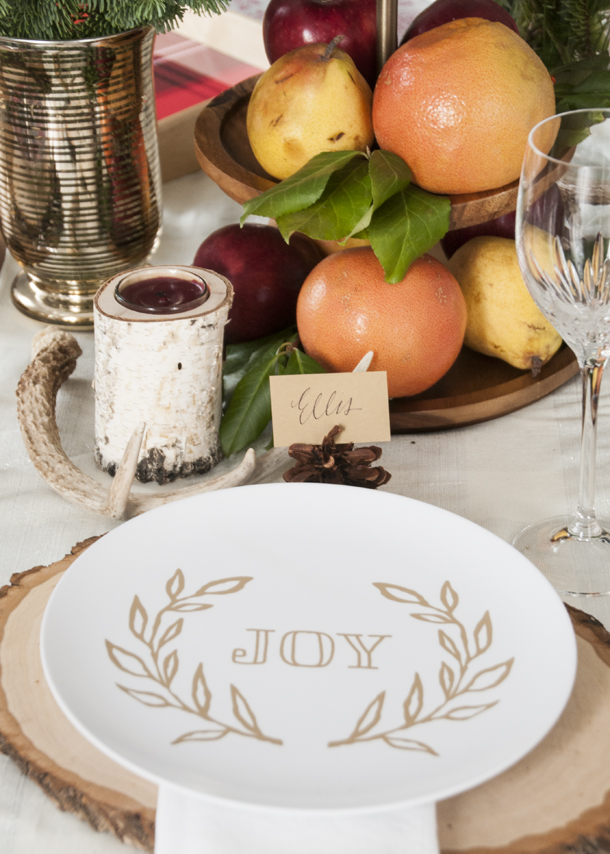 Colonial Christmas Table