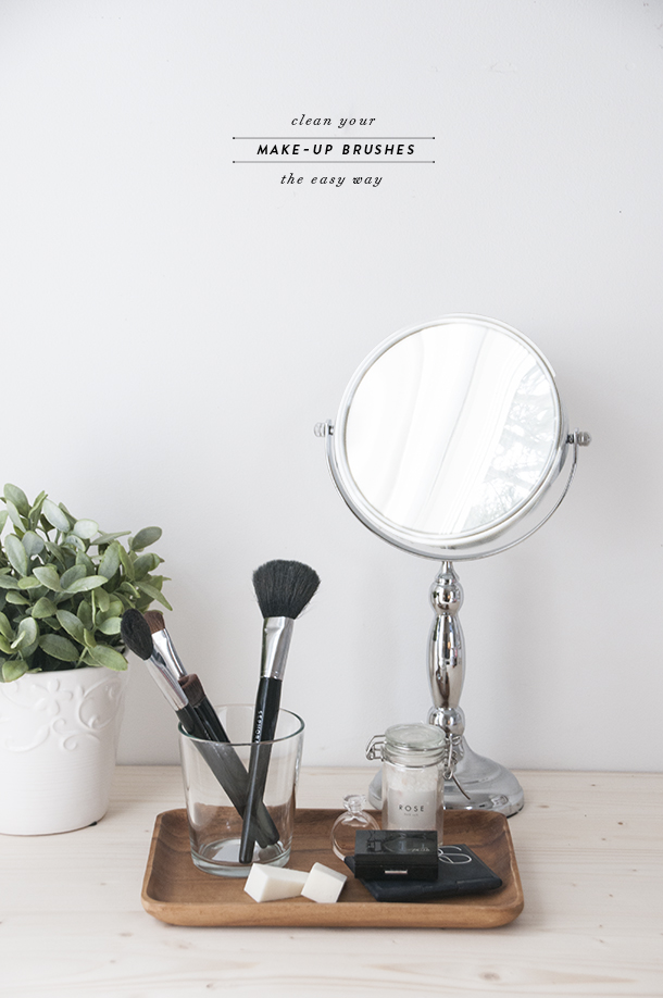 the quick way to clean your make up brushes