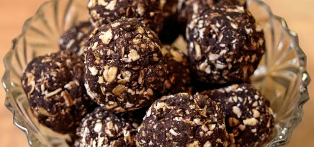 Chrissy's Chocolate Biscuit Power Balls! [Vegan Recipe]