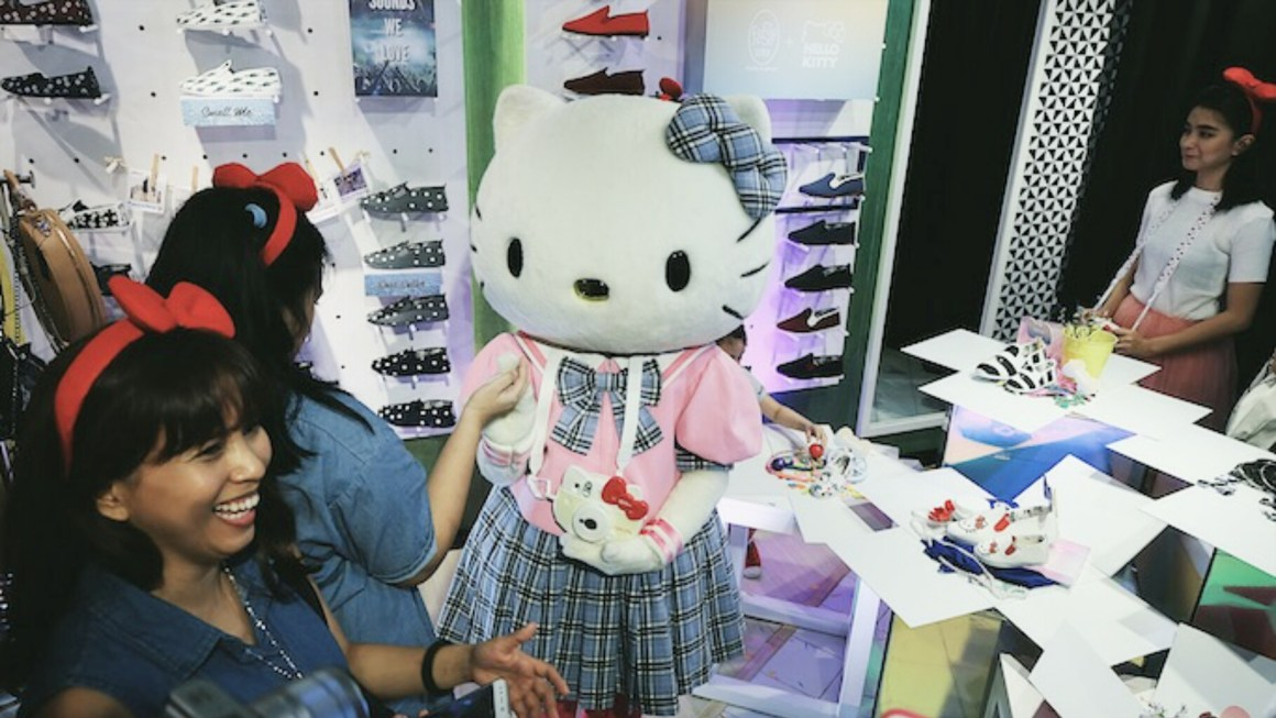 #FlossyxHelloKitty For Moms & Daughters Who Wanna Go Twinning