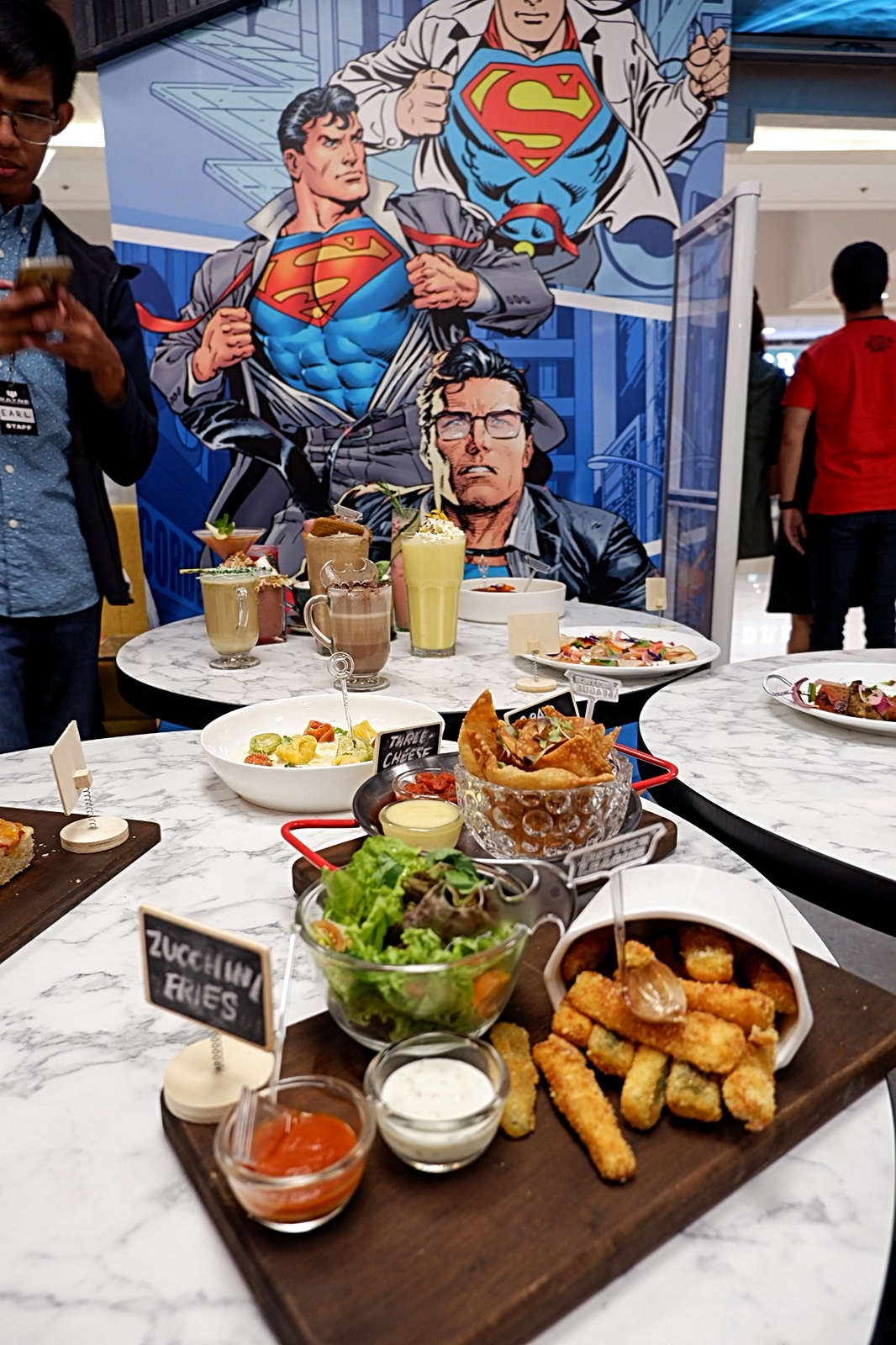 DC Super Heroes Cafe