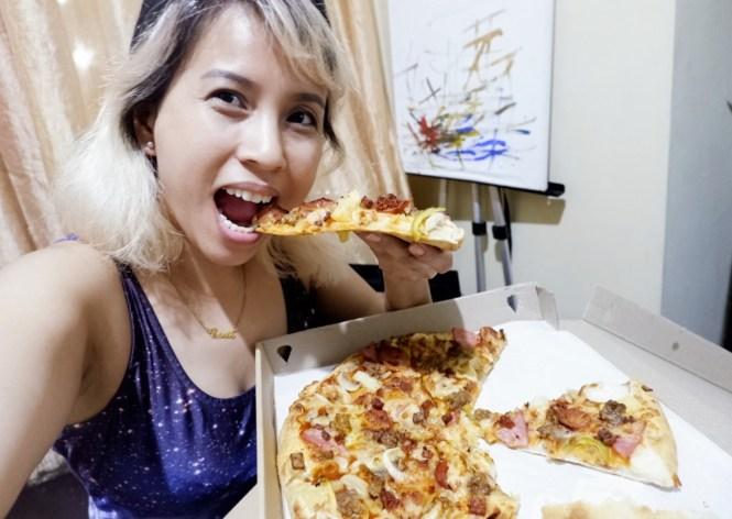 Greenwich All-In Overload Pizza #PizzaitForward #AllinOverload