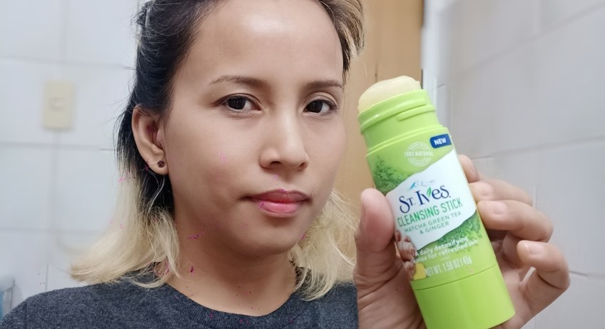 St. Ives  Matcha Green Tea and Ginger Cleansing Stick