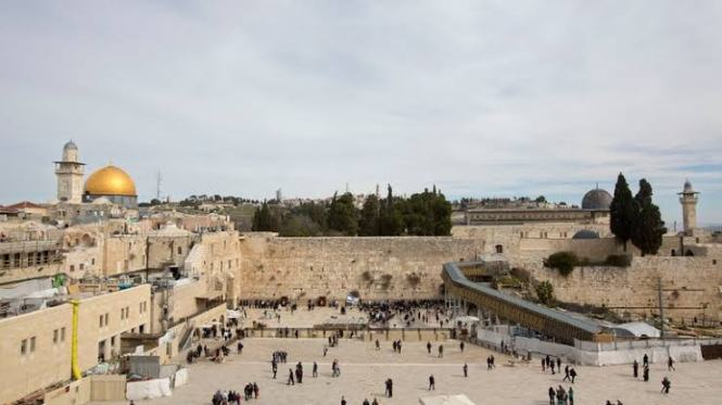 The Western Wall 7 Religious Sites to visit in the Middle East