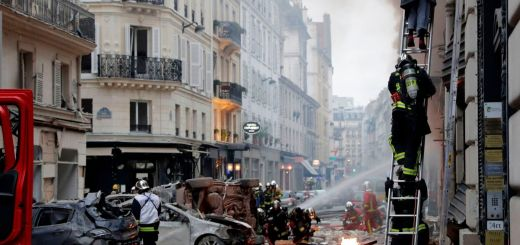 Paris - Two firefighters and three civilians are in life-threatening condition after gas explosion in Paris