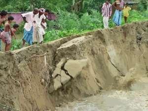 riverbank-erosion-bangladesh