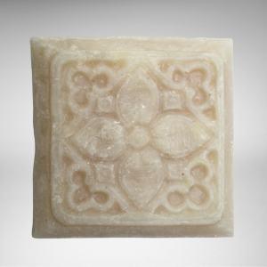 natural, vegan peppermint cream essential oil soap