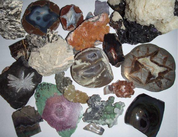 Rock & Crystal Sale | Earthsong Books & Gifts
