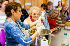 2016 Jewish Baking Workshop-11