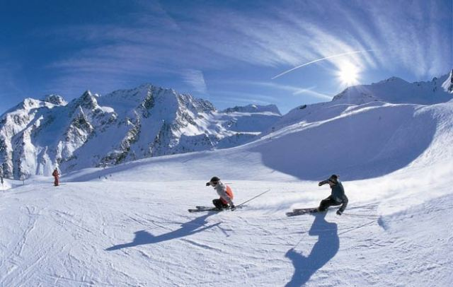 Have Fun with Snowboarding in Auli