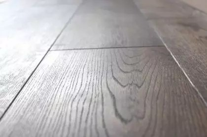 [Echantillon] Parquet chene massif flottant - Pierre de Lave 18 x 180 mm