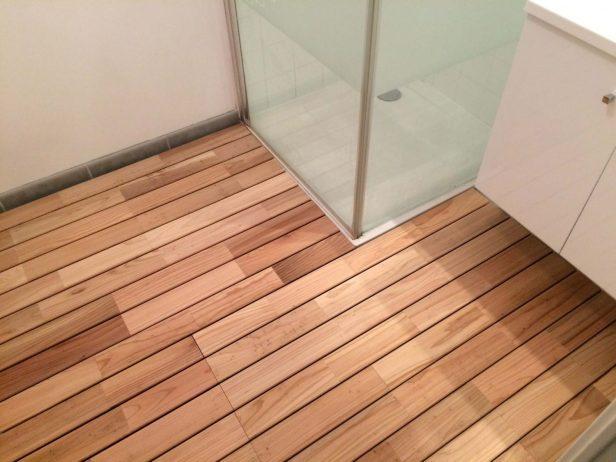 parquet flottant pour salle de bain