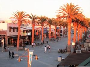 Plaza at Hermosa Beach pier