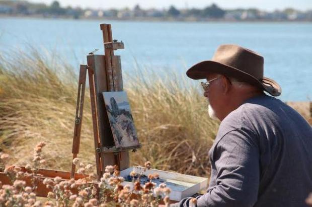 Ed Bertolt is painting the beach in Alameda during the 2015 Plein Air Paintout. (Frank Bette Center for the Arts)