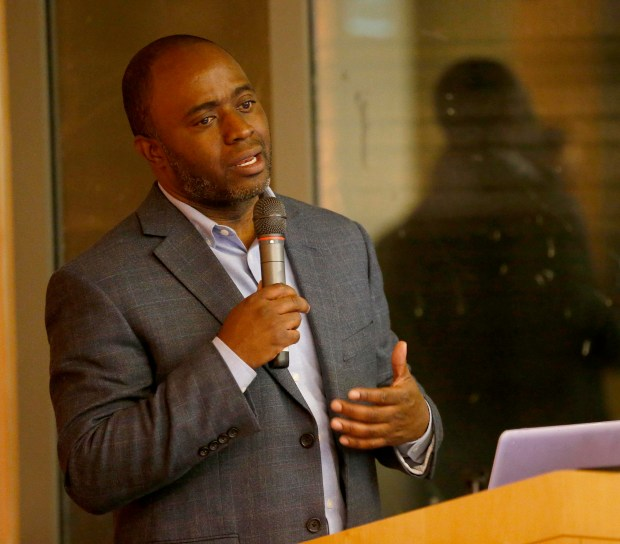 State Assemblyman Tony Thurmond speaks during a forum on the AB1488 bill at the East Bay Community Foundation in downtown Oakland, Calif., on Wednesday, Nov. 15, 2017. The bill advocates for teens to receive more services when leaving the juvenile justice system. (Jane Tyska/Bay Area News Group)