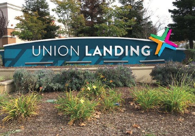 A rendering shows what a new branding concept could look like on a signnear one of the entrances Union Landing Shopping Center. (Image courtesy Union City)