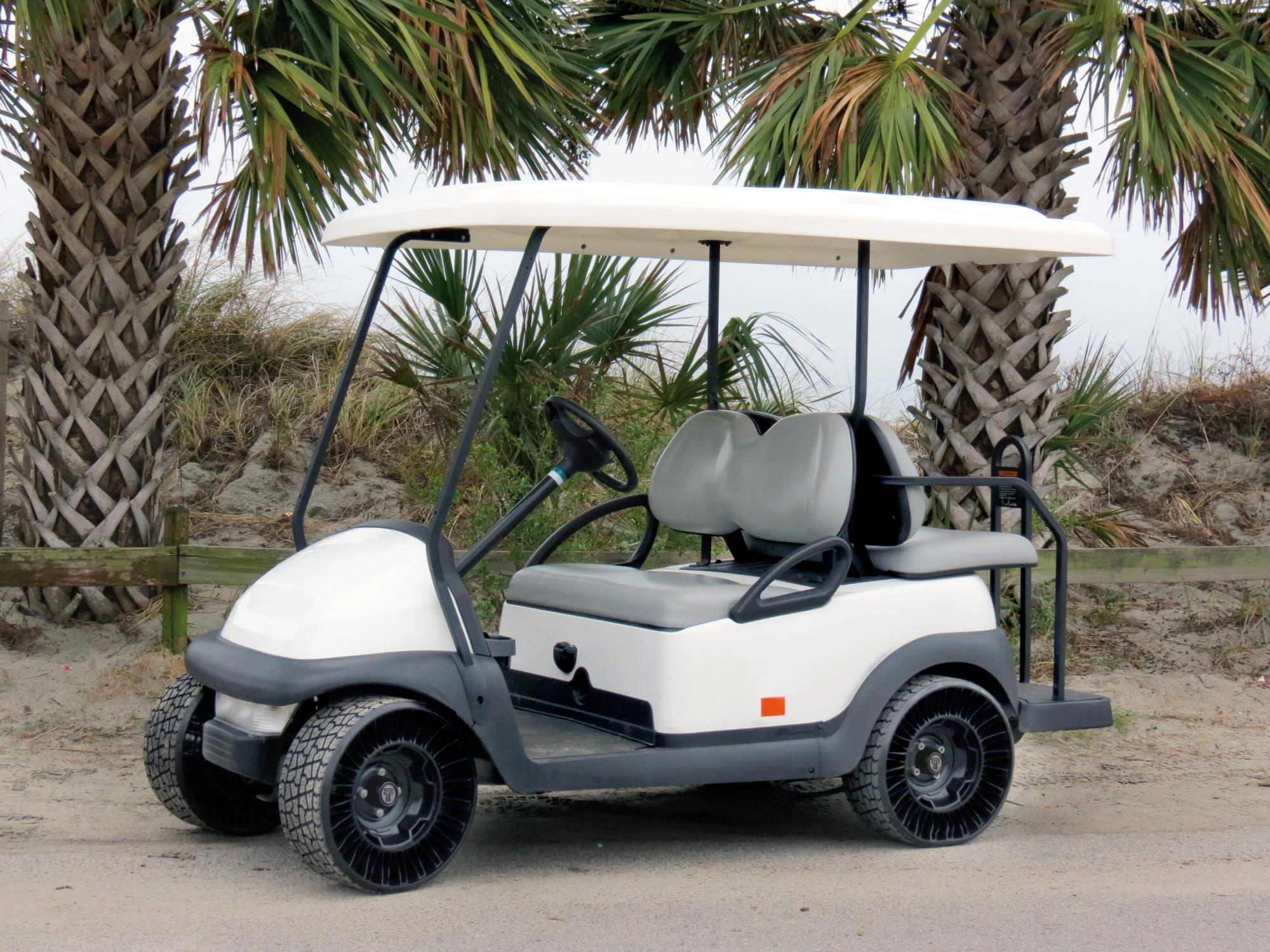 Golf Cart with the Michelin X-tweel