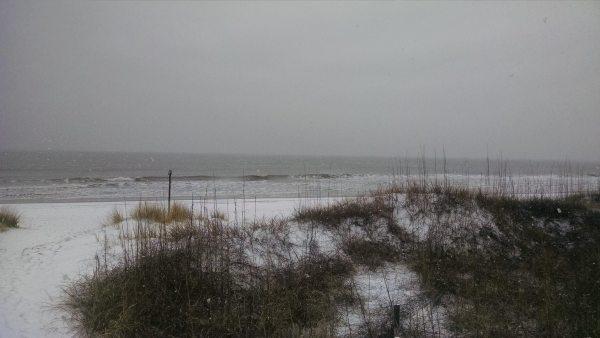 AC-Emerald-Isle-Beach-NC-Snow