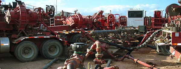 A hydrofracking project in the Bakken Shale | Joshua Doubek photo for Wikimedia Commons