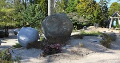 "Grace Knowlton's ""Spheres"""