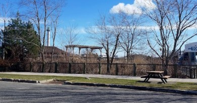 A fuel cell plant may be installed near the back entrance to the aquarium in Riverhead.