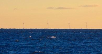 Deepwater Wind's Block Island wind farm, as seen through a 200 mm lens from Montauk Point.