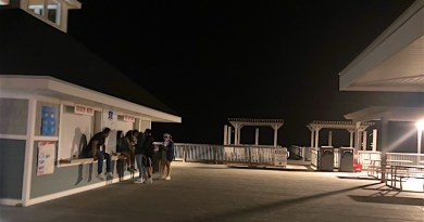 Ponquogue beach, Friday night