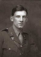 Siegfried Sassoon (Second lieutenant, Royal Welsh Fusiliers) 1915. © Cambridge University Library / The Siegfried Sassoon Literary Estate