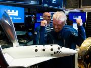 Virgin Galactic nearly 8000 people on space travel waiting list