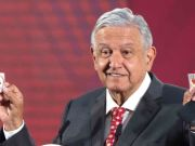Mexico: Drug cartels distribute food but the president criticizes