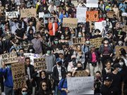 While some are rallying, others are robbing: US protests are out of control