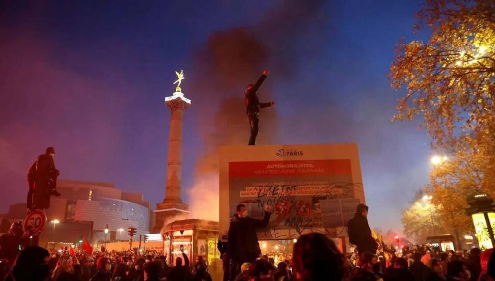 Emmanuel Macron, Europe, France, Paris, Paris Protest, Top Stories, Protest,