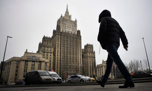 Russian Foreign Ministry promises a firm response to sanctions