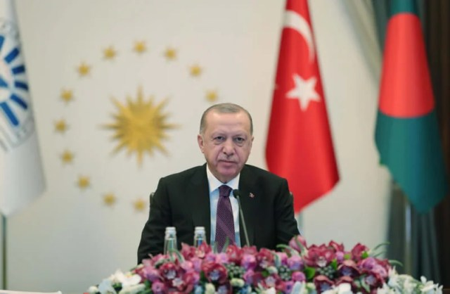 Erdogan calls on the eight Islamic countries to work according to the requirements of the current stage