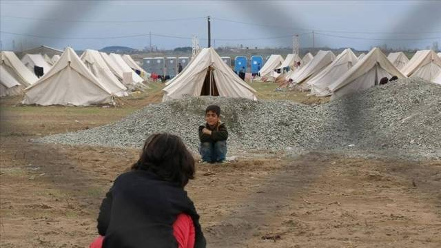 Greece opens 'closed' camp for asylum seekers on Samos island