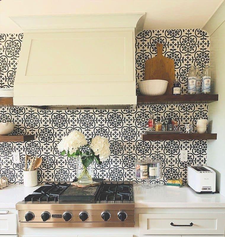 modern farmhouse kitchen reveal before