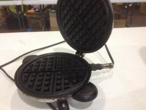 waffle iron 1950-ish
