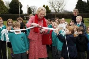 Dame Mary Fagan cuts ribbon