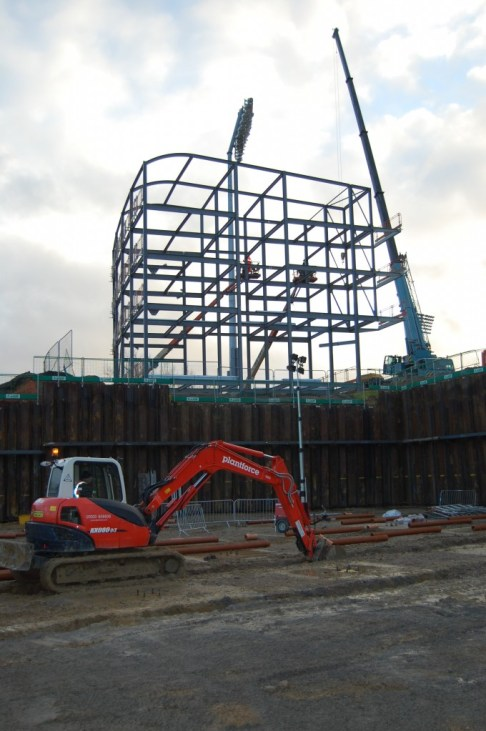 First Steelwork for Rose Bowl Hotel