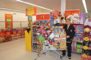 Jo Helesfay-Evans of CKD4Health with her trolley of essentials for the Food Centre