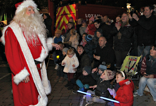Santa to switch on town's Xmas lights