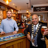 Mayor re-opens New Clock Inn