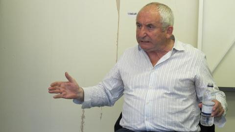 Big Issue founder John Bird visits Bethnal Green – Eastlondonlines