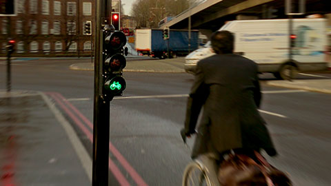 Low-level traffic lights at Bow roundabout. Pic: TFL