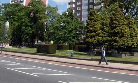 Lewisham High Street Pic: Reading Tom
