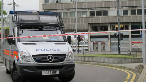 Police presence outside the  Royal Mail in East Croydon. Photo: @Gareth_Davies09