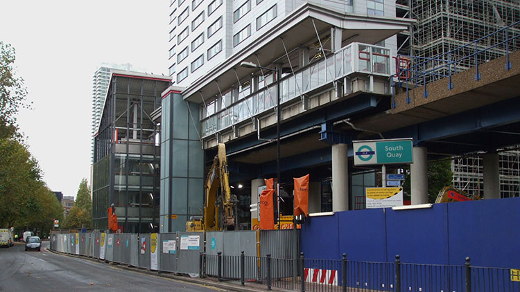Old South Quay DLR station building in 2009. Pic: Sunil060902