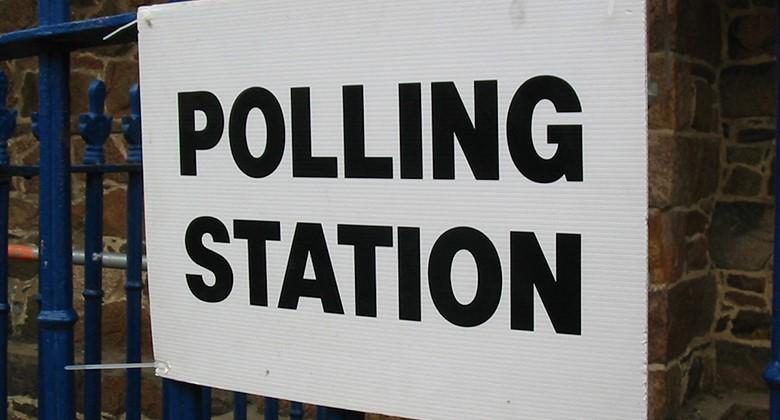 thumbnail_FR Polling station - resized