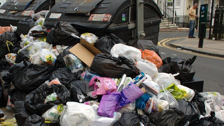Tower Hamlets residents are facing the prospect of uncollected rubbish due to workers not being paid their due holiday pay