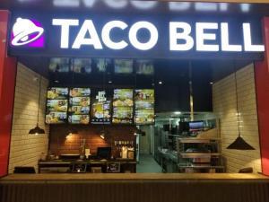 international food chains in Kolkata